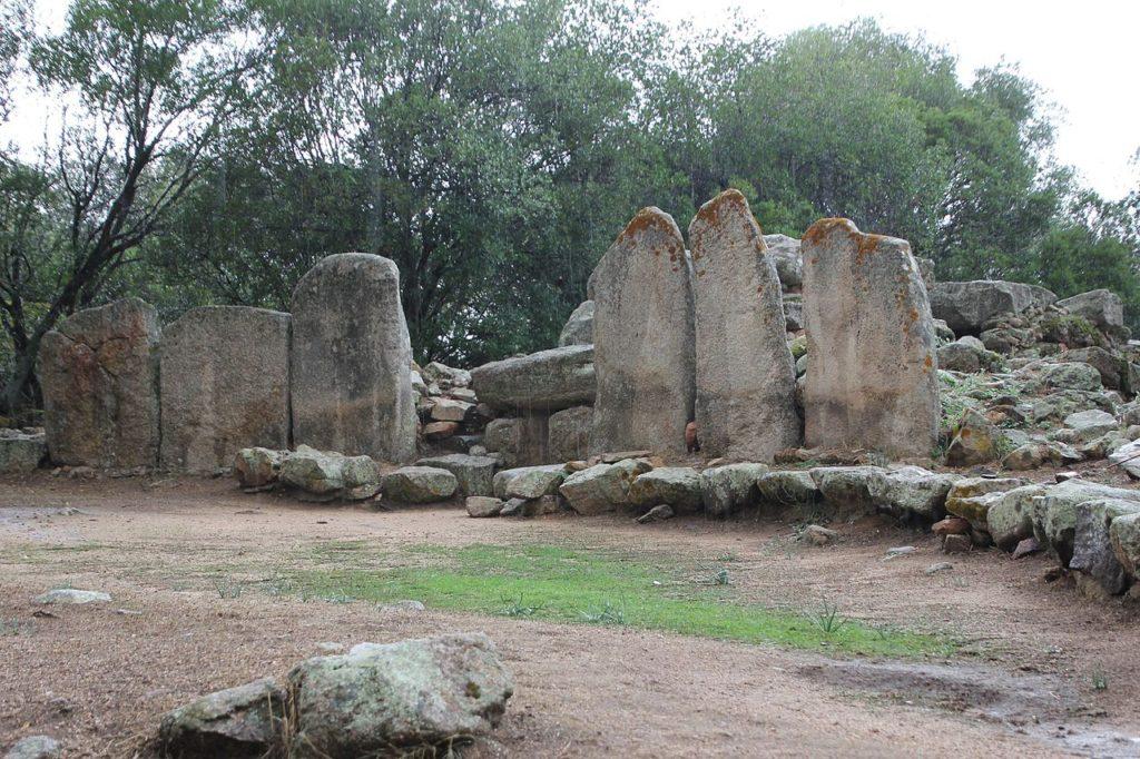 Cosa visitare a Olbia? La Tomba dei Giganti di Su monte de S'abe ad olbia